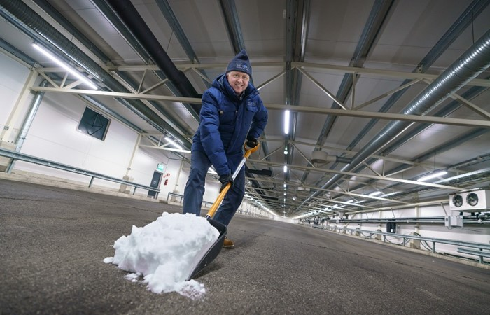 First Snow in the World's Largest Vehicle and Tyre Indoor Winter Test Facility